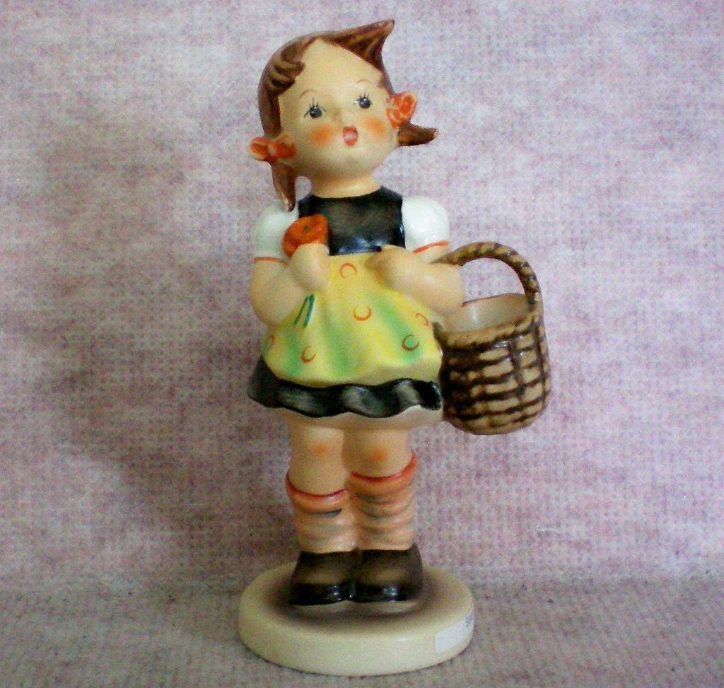 """Hummel """"Sister"""" or  Hummel Shopper Figurine"""