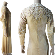 Romantic 1930's Fawn Silk Velvet Lingerie Robe With Appliques