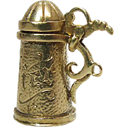 Beautifully Made 9K Yellow Gold Mechanical English Beer Stein Pendant / Charm 5.6 Grams