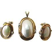 14K Gold Mabe Pearl And Diamond Pendant And Post Earrings Set