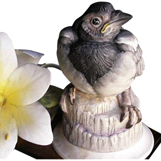 REDUCED BOEHM Collection of Fine Porcelain Figurine Magpie Fledgling