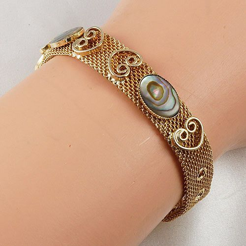 Gold tone mesh buckle bracelet flat oval Abalone pieces