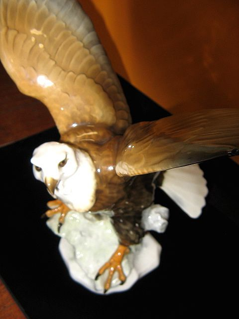Impressive Hutschenreuther Germany Tutter Bald Eagle figurine