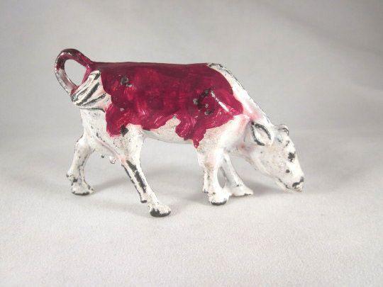 Manoil Metal Cow Eating Toy Figure