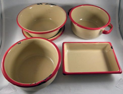 Child's Toy Graniteware Beige with Red Trim 5 Piece Cooking/Baking Set