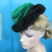 Vintage hat 1940s tilt top Velvet w faux fur
