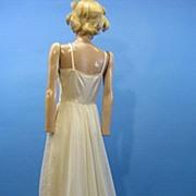 B2610 Vintage slip bridal wedding 1970s era trained