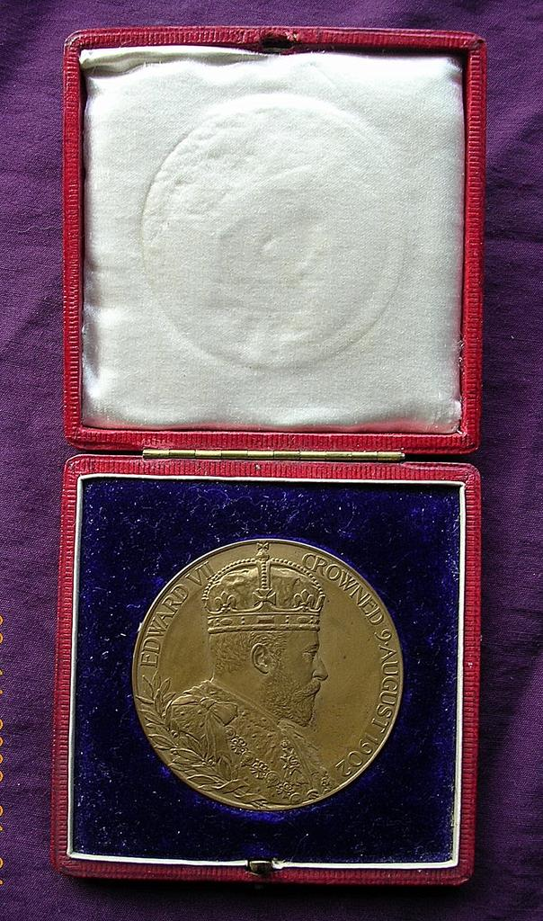 1902 EDWARD V11 Boxed Coronation Medallion