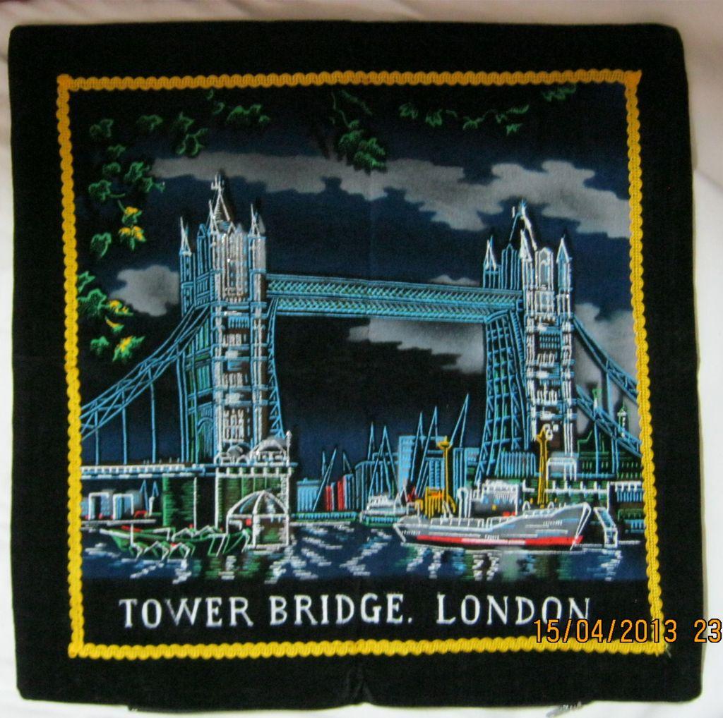 "RETRO 70's ""Tower Bridge"" London Tourist  Souvenir Cushion Cover"