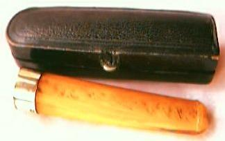 Vintage Amber and 9 Carat Rose Gold Cheroot Holder Early 20th Century
