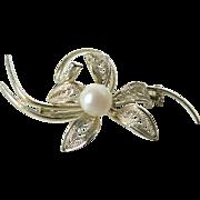 Vintage Elegant Cultured Pearl & Filigree Flower Pin Brooch