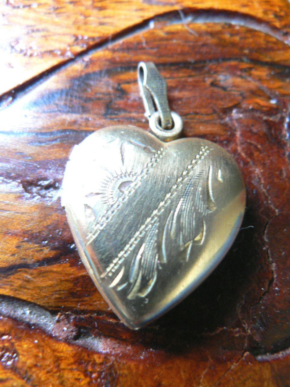 Vintage 1930s-40s Gold Fill Heart Locket Charm Pendant
