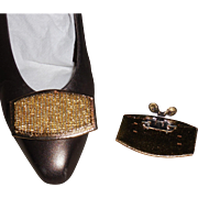 MUSI Shoe Clip with Hand Sewn Metallic Gold Seed Beads