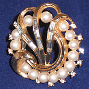 Vintage Trifari Gold Plated Faux Pearl and Rhinestone Pin Brooch
