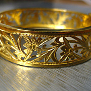 22k High Karat Gold Ornate Chinese Bangle Bracelet with Safety Clasp