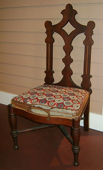 Gothic Slipper Chair - Early 19th Century