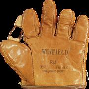 Child's Old Baseball Mitt - Winfield  F33
