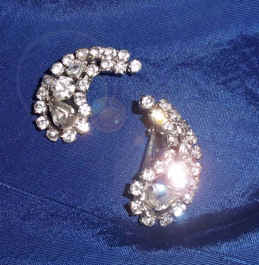 Fifties Rhinestone Earrings in Paisley Shape