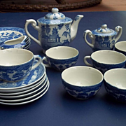 Cheerful 1940's Blue Willow Child's Teaset