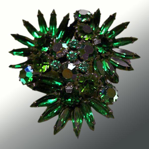 Stunning Vintage Green Rhinestone Pin