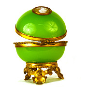 Antique Palais Royale Green Opaline Casket w/Gilded Mounts and Cameo Medallion