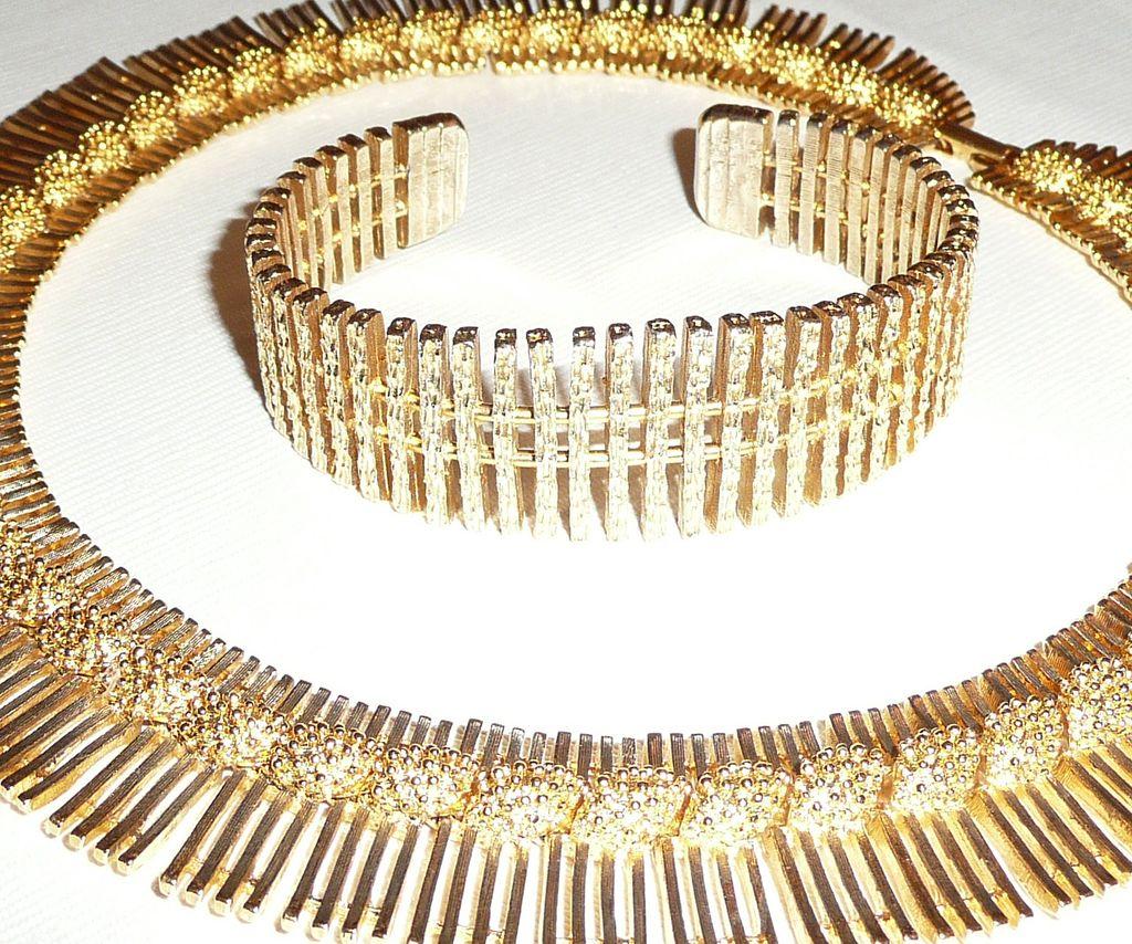 Vintage 1960's Chunky Necklace and Bracelet