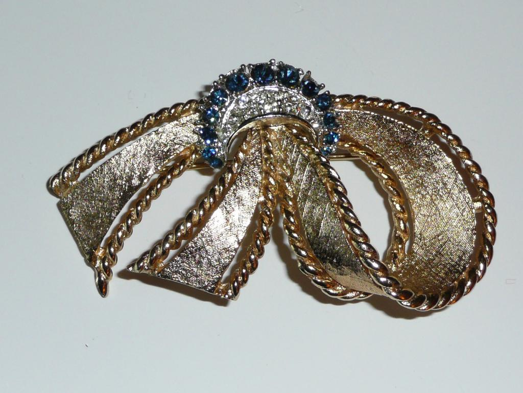 Vintage Marboux Signed Ribbon Bow Brooch