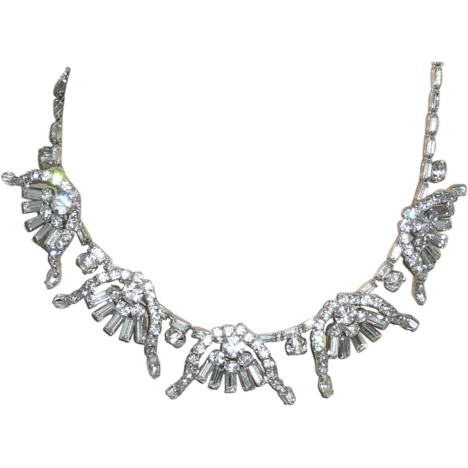 Outstanding Vintage Rhinestone Necklace and Earrings
