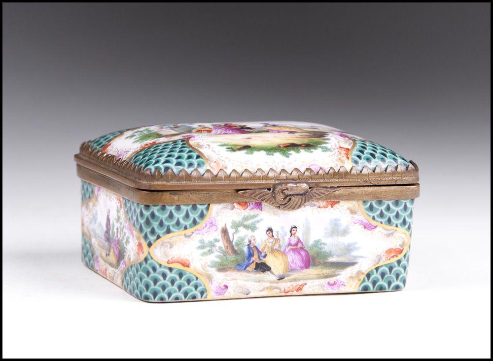 Late 18th C. Meissen Porcelain Rectangular Gilt Wash Interior Snuff Box