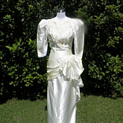 1980s Ivory Wedding Gown w/Large Hip Bow Detail