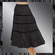 "Vintage 40s Black Taffeta Pleated Skirt // 1940s Velvet Banded Ladies Size S 26"" Waist"