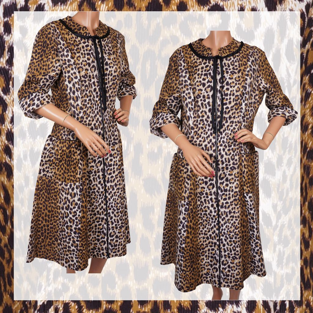 Vintage 50s Leopard Print Cotton House Dress -  L