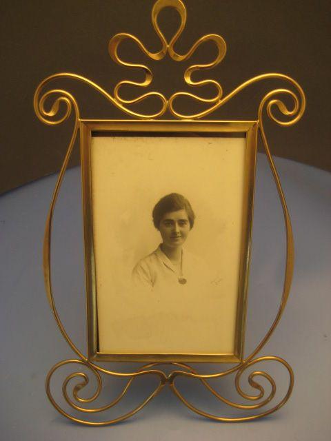 Brass Ribbon Frame - Victorian