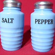 Jeannette Delphite Ribbed Salt And Pepper Set