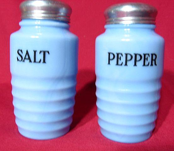 Jeannette Delphite Ribbed Salt And Pepper Set