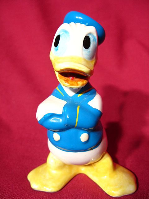 Walt Disney Productions Donald Duck Figurine ~ Japan