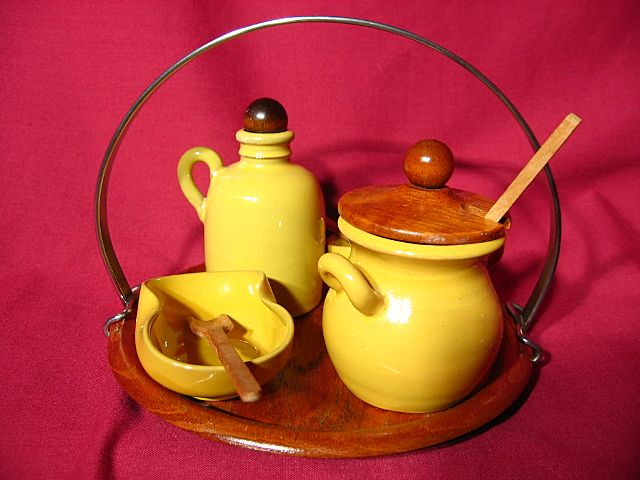 Jie Gantofta Swedish Pottery Cruet Set