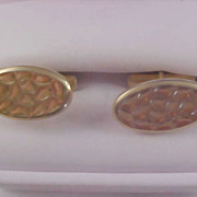 """Circa 1940-1950's Gold Plated """"Waffled Design"""" Cuff Links"""