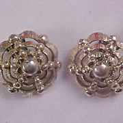 Dome Gold Plate Open Design Clip Earrings