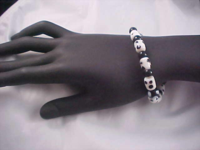 Black & White POLKA DOT Glass Bead Bracelet
