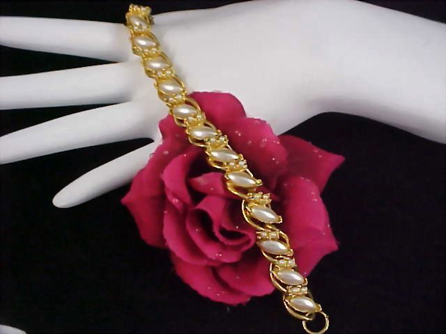 ASK 50% Off~Stunning FLORENZA Simulated  Seed Pearl Gold Plate Link Bracelet