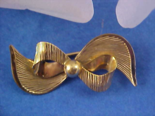 Gold Plate Bow Brooch