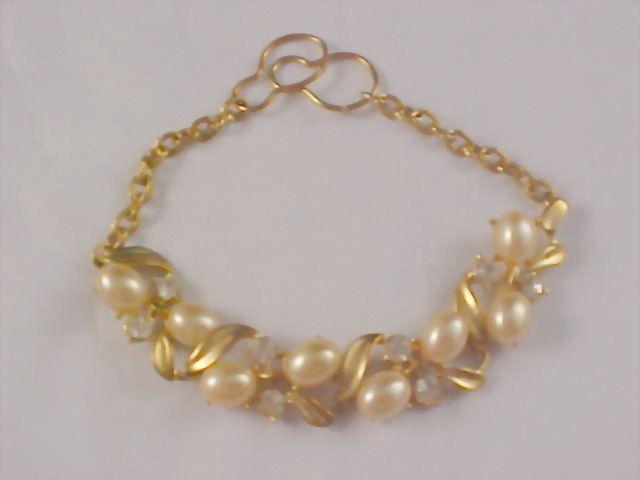 Simulated Creamy Pearl & Diamante Gilt Gold Link Bracelet