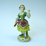 Fine early porcelain cabinet figure of a Lady with early Derby mark
