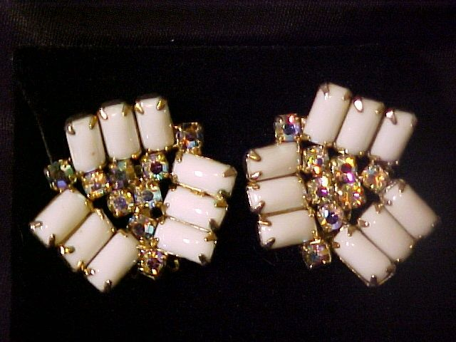 Earrings Milk Glass Aurora Borealis Dramatic 3D Vintage Jewelry