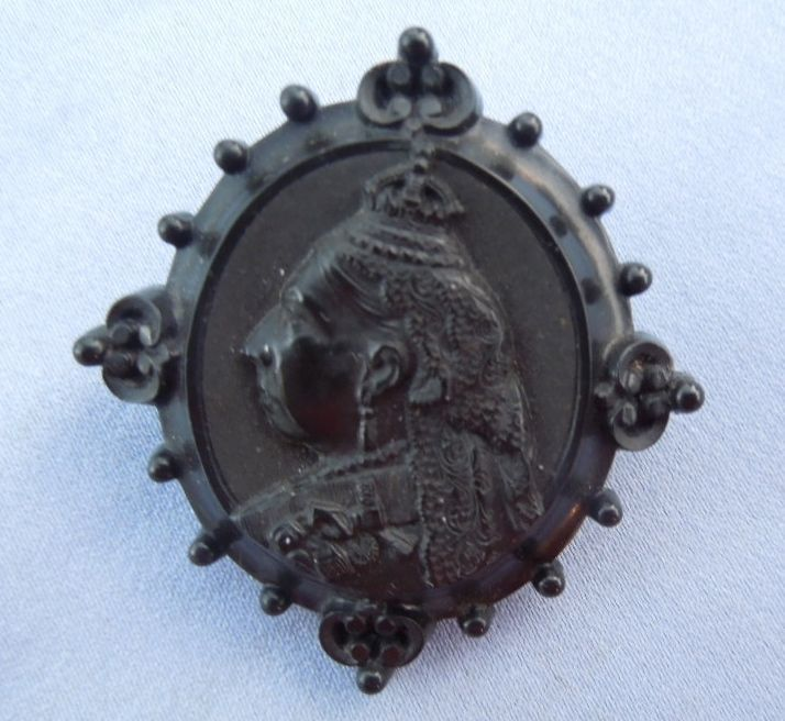 Memorial Jewelry, Mourning Jewelry, Brooch for Queen Victoria, 1901