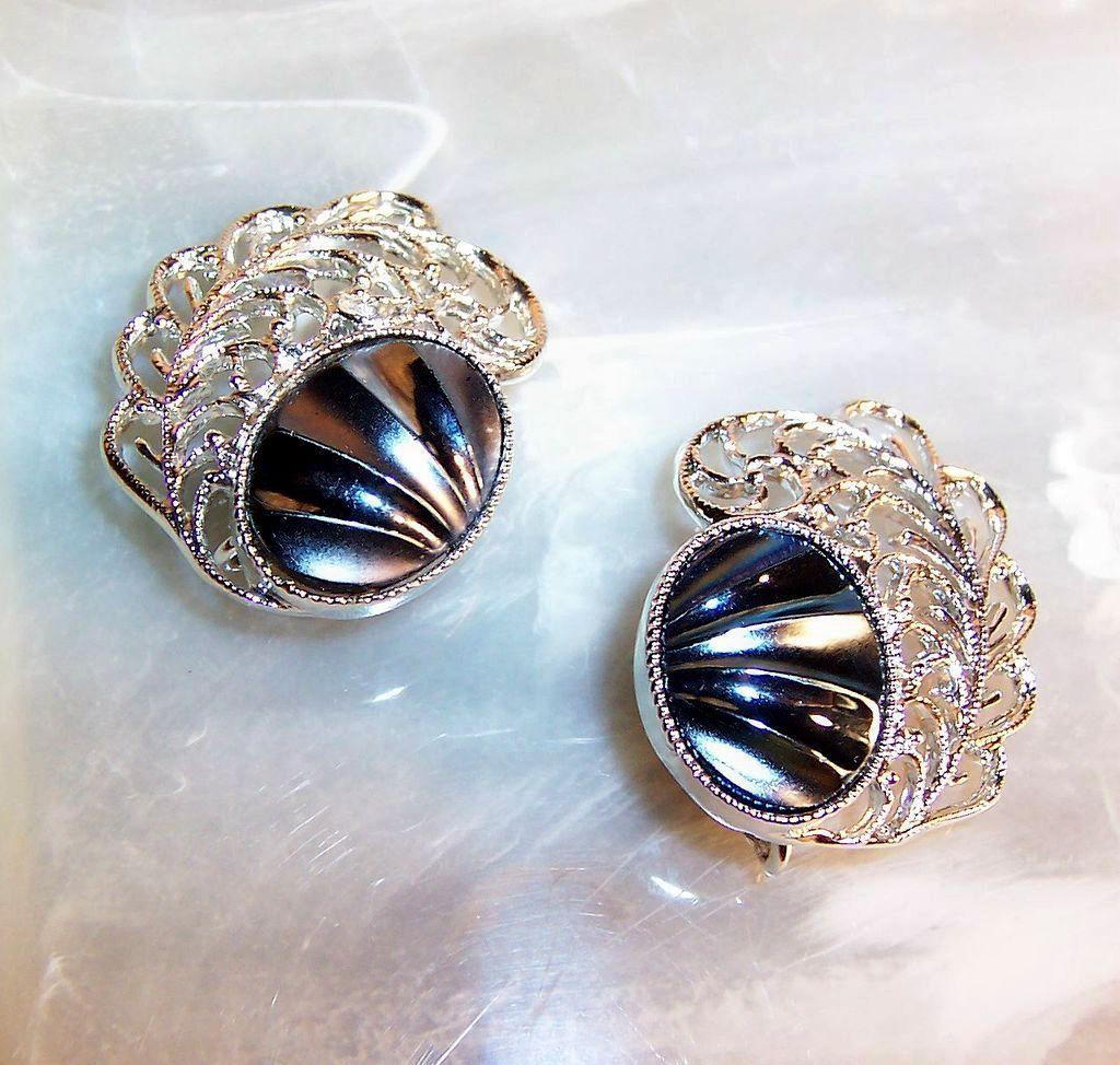 Sarah Coventry Royal Plumage Earrings