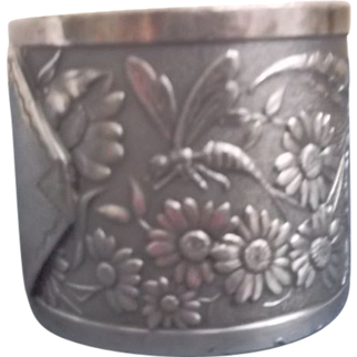 Aesthetic Napkin Ring Fly Flowers Dragonfly Victorian Style