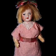 Unis France 301 Doll