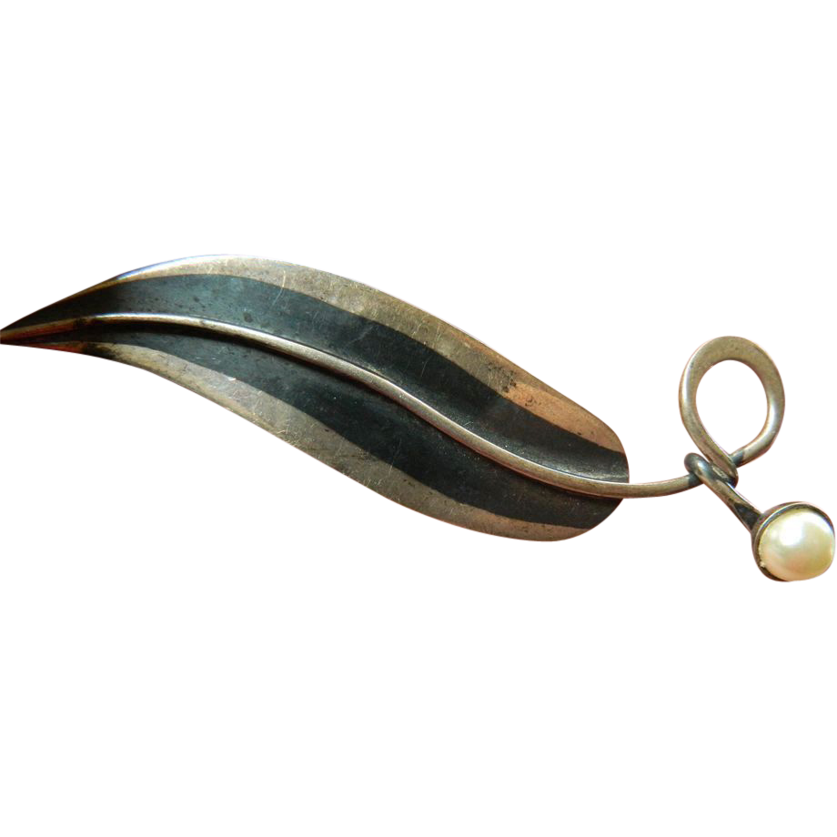 Striking hand made -Mexican sterling pin
